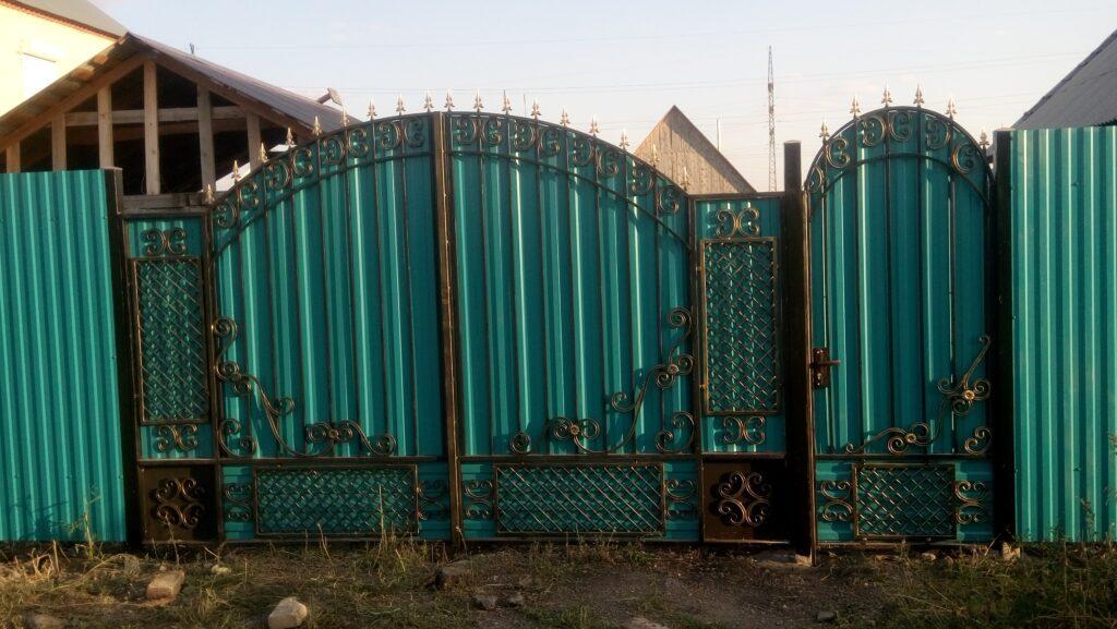 Ворота, калитки, заборы в Фершампенуазе и Нагайбакском районе. Даем рассрочку платежа